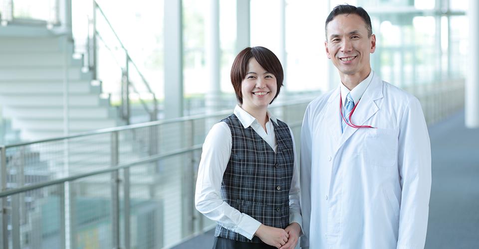 医師と女性